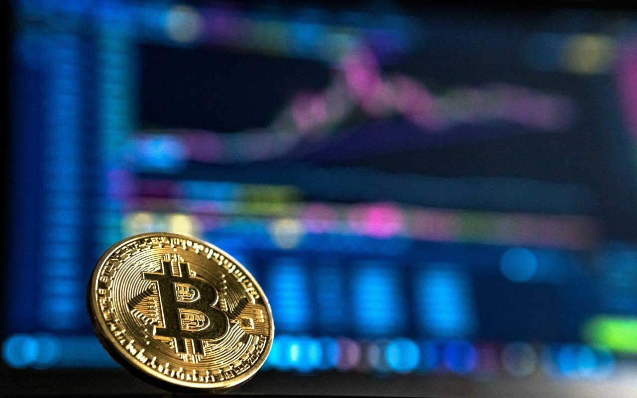 KNF i NBP ostrzegają przed BitCoinem - ale dlaczego tak późno? 6